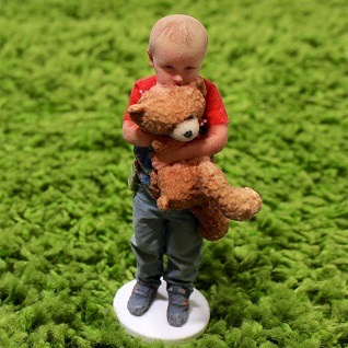 /images/gallery/child-green-carpet-3d-printed-figurine-318.jpg